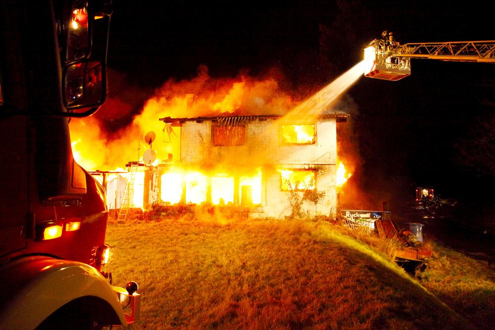 preflamo-brandschutz-haus-brennt-wohnungsbrand